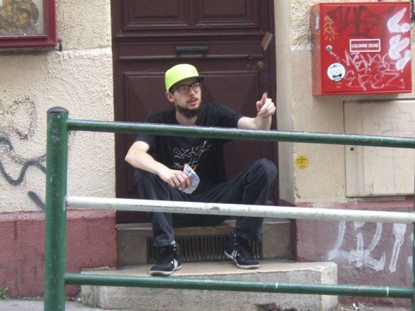 PROCHAIN PROJET VOLUME 1 Maintenant disponible  I tunes : https://itunes.apple.com/…/artist/prince-de-rue/id943911835… Deezer : http://www.deezer.com/album/9202639