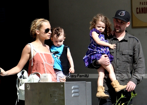 Nicole Richie, Joel Madden, Harlow Winter Kate & Sparrow James Midnight Madden