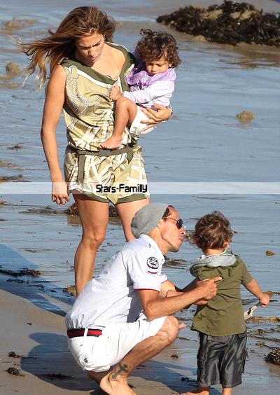 Jennifer Lopez, Marco Muñiz ( Marc Anthony), Maximilian David & Emme Maribel Muñiz ( dit Max & Emme )