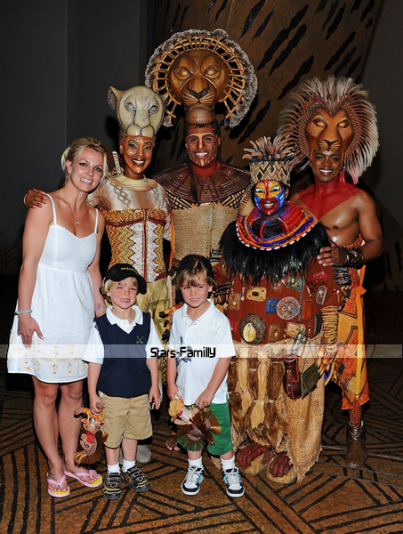 Britney Spears, Sean Preston & Jayden James Spears-Federline.