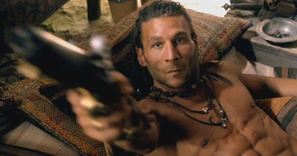 Je regarde Black Sails en ce moment, ça donne vraiment envie de devenir pirate :p