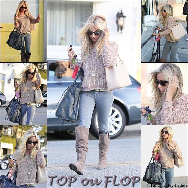 """Ce mardi 9 août 2011, Ashley à été vue sortant du salon de coiffure """" Byron & Tracey """", de Beverly Hills."""