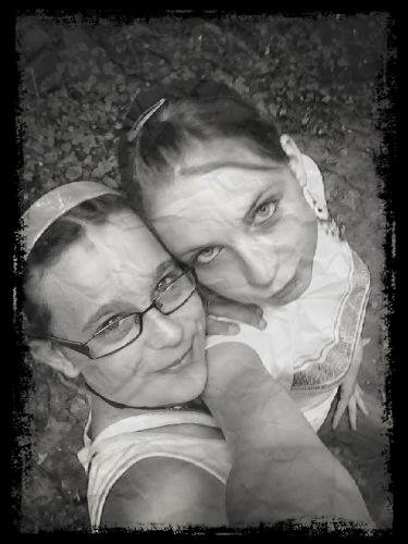 Océane&Bérénice..#Photo2oo9&TexteAvril2o12#