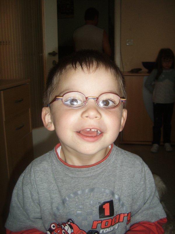 mon petit coeur avec ses lunettes oblige grand besoin
