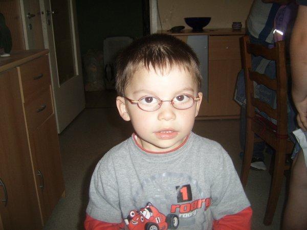mon petit coeur et ses lunettes il est tout comique