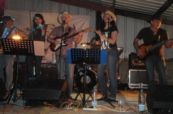 WHITE FALCON - FETE DU BISON - VICQ le 15 JUILLET 2011