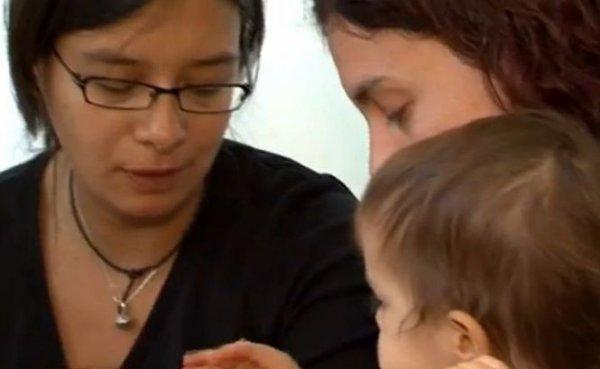 Première en France: Un couple de femmes obtient enfin l'adoption plénière