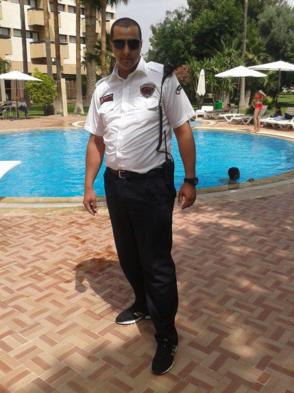 moi au  service Security  a hôtel atlas orient