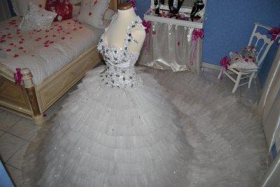 Bonjour voila quelque photo du mariage de kino et mimi :photochretien.com au 0618134287 Yannis je me déplace dans toutes la france merci
