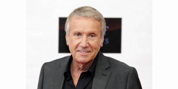 e comédien Yves Rénier, commissaire Moulin sur TF1, est décédé Yves Rénier qui incarnait le ccommissaire Moulin sur TF1 est mort. Il avait 78 ans.