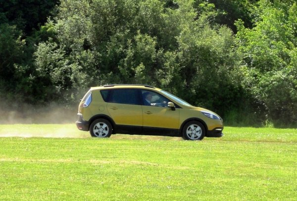 LE RENAULT SCENIC XMODE