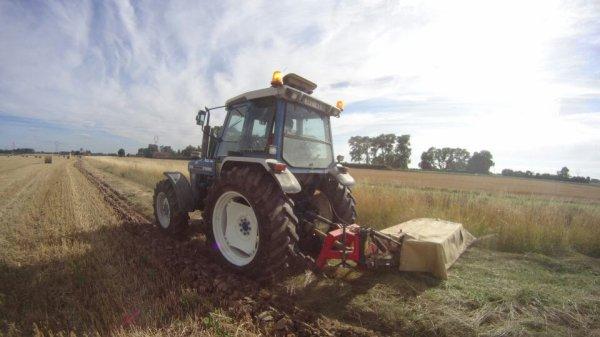Fauchage par les travaux agricoles grebert didier