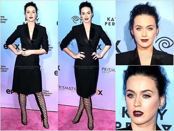 . 26.03.15 // Katy était à l'avant première du film du Prismatic World Tour à Los Angeles. (+) rappel : le samedi 28/03, le PWT passera à la télévision américaine. .