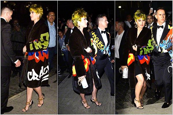 . 04.05.15 // Katy était présente au Met Gala 2015, à New York.