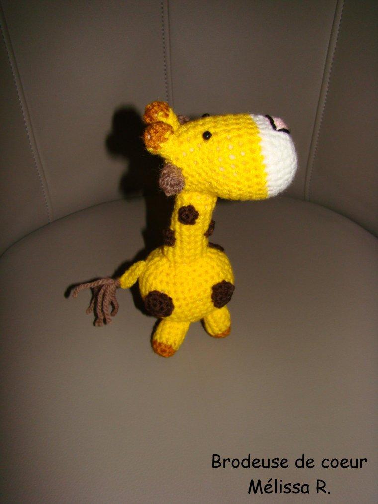 coucou les filles voilà une tite giraffe toute mimi non