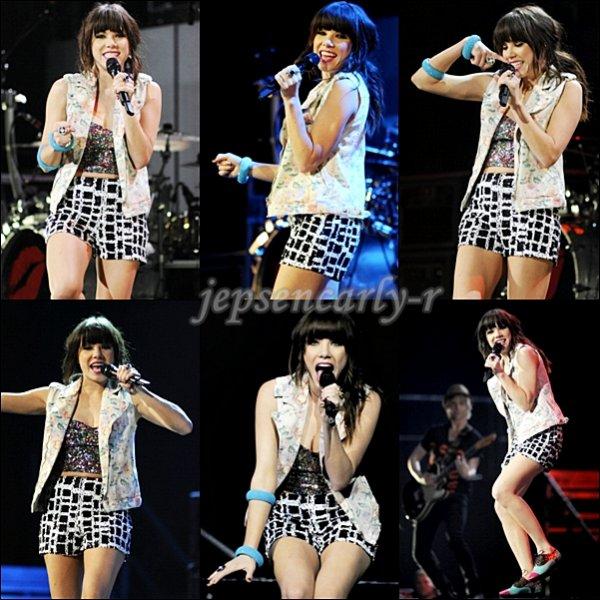 06/10/2012 - Carly était à Oakland pour assurer la première partie du Believe Tour