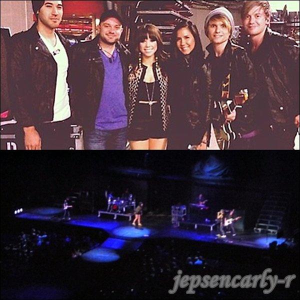 08/10/2012 - Carly assurait le show à Portland (OREGON)