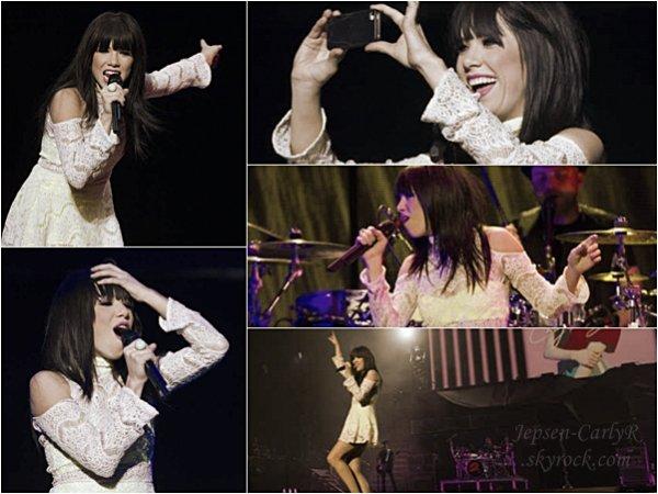 26/10/2012 - Carly assurait le «Believe Tour» à Kansas City (MISSOURI)
