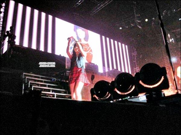 27/10/2012 - Carly assurait la première partie du Believe Tour à St-Louis (Missouri) 29/10/2012 - Carly assurait le show du Believe Tour de J. Bieber à Dallas (Texas) 30/10/2012 - Carly était à Houston pour assurer la première partie du Believe Tour