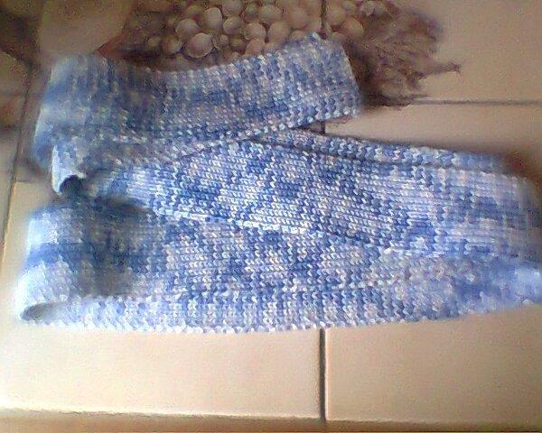 voici la deuxième photo de l'écharpe faite en cotes 1/1. Elle fait 170 cm