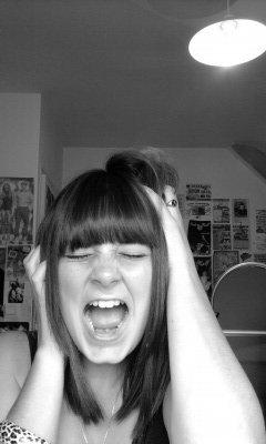 Coucou' moi c'est Emilie, 15 ans & une passion dans la Vie : La Musique ! ♥