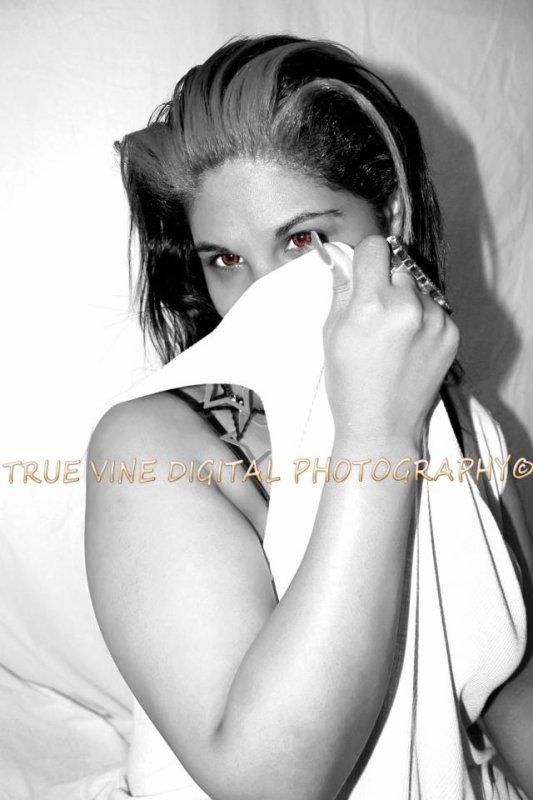 TRUE VINE DIGITAL PHOTOGRAPHY, India La Exotica~PEEK-A-BOO
