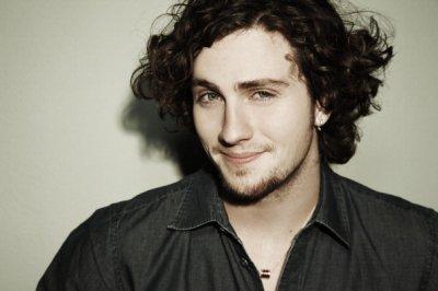 IMAGES : Dernier photoshoot d'Aaron ( C'est quoi ces cheveux ?  %) )