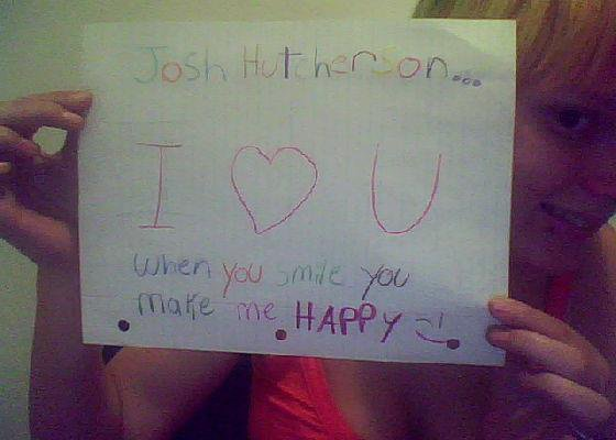 I JUST MAKE THIS FOR JOSH HUTCHERSON MY IDOL :D