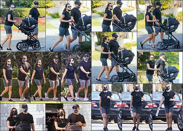 * '•-09/10/20 ─-' Lea M. a été repérée une nouvelle fois, se promenant avec son fils et Zandy - dans les rues de Los Angeles. C'est mignon que Lea emmène son fils Ever Leo à chaque sortie. Lea et Zandy font de bon parents. J'aime plutôt bien sa tenue. Donc Top. *