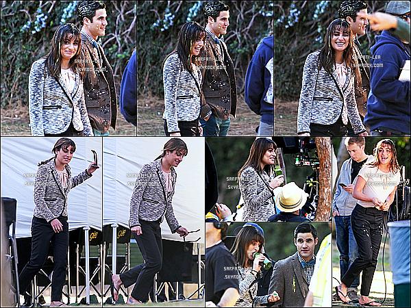 * 19/11/14 : Lea M. a été vue lorsqu'elle tournait une scène pour la série « Glee » avec Darren Criss à Los Angeles. J'ai vraiment hâte de découvrir ces nouveaux épisodes. Lea est souriante sur les dernière photos, elle à l'air de bien s'amuser aussi - Top  ses tenues !  *