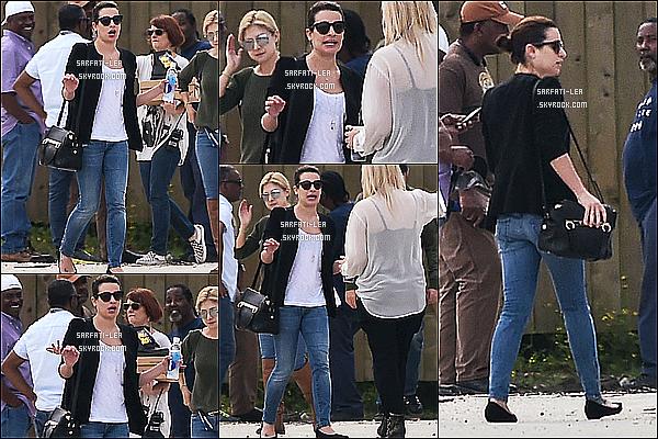 * 14/03/15 : Lea Michele a été aperçue sur le set de la nouvelle série « Scream Queens », à la Nouvelle-Orléans. Lea est à l'affiche se cette nouvelle série avec Emma Roberts. Peu de photos sont disponibles, mais j'aime beaucoup la tenue que Lea porte, un Top  *