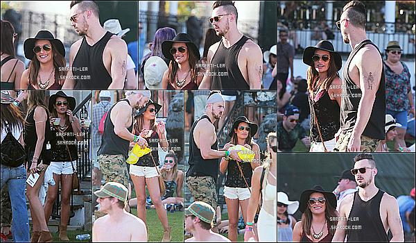* 11/04/15 : Lea Michele s'est rendue avec son copain Matthew  P. au 2ème jour du festival  « Coachella »  à Indio. Lea est très jolie et très souriante, ça fait plaisir de la voir comme ça. J'aime beaucoup la tenue qu'elle porte qui correspond bien à ce festival, un Top  *