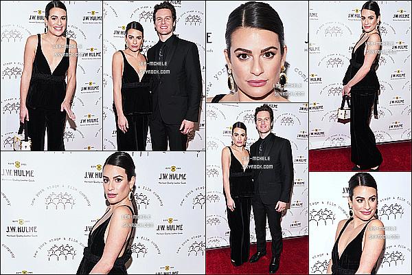 * '•-08/12/19-' : Lea Michele a assisté à l'événement « New York Stage & Film Winter Gala » qui avait lieu dans New York. Lea a posé aux côtés de son meilleur ami Jonathan Groff. Elle est sublime. J'adore sa mise en beauté. Sa tenue est jolie aussi. Donc Top ! *