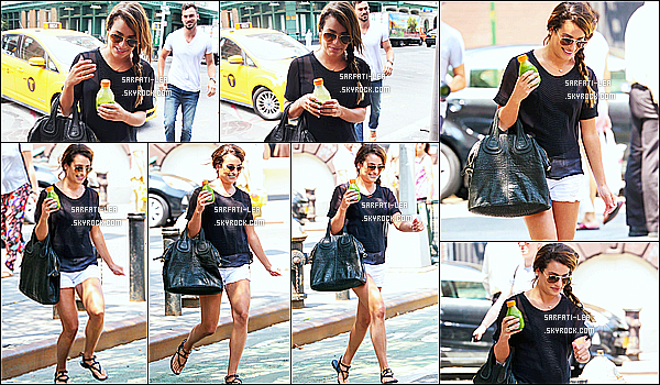 * 23/07/14 : Lea Michele, Matthew et une amie ont été vus lorsqu'ils allaient déjeuner - dans la ville de New York. Lea est vraiment ravissante et souriante, ça fait plaisir de la voir comme ça. J'aime beaucoup la tenue qu'elle porte même si c'est basique - Un Top !  *