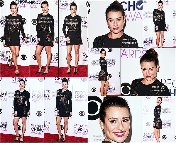 * 06/01/16 :  Lea M. était présente à la cérémonie des  « People's Choice Awards » qui se déroule à Los Angeles. Lea est ravissante. J'aime beaucoup la tenue qu'elle porte. J'aime également sa coiffure et son maquillage, ça change de d'habitude - Top pour moi !  *