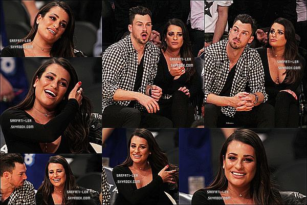 * 05/01/16 :  Lea et son petit-copain Matthew ont assisté au match des « Lakers », qui avait lieu dans Los Angeles. Lea Michele est toute ravissante avec Matthew. J'aime bien la tenue qu'elle porte malgrè qu'elle soit tout en noire. Je lui mets quand même un Top.  *