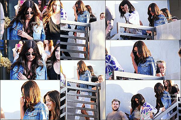 * 13/07/16 : Lea Michele s'est rendue au salon de coiffure « Nine Zero One », qui se situe dans West Hollywood. Lea est très jolie avec son chignon. J'aime énormément la tenue qu'elle porte, à par peut-être ses chaussures - C'est quand même un Top pour moi.  *