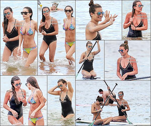 * 30/05/16 : Lea Michele a été aperçue alors qu'elle faisait du Stand Up Paddle sur une plage de Maui - à Hawaii. Lea était toute belle, elle à l'air de bien s'amuser. J'aime beaucoup le maillot de bain qu'elle porte, plus que celui du candid précédent. Il lui va mieux.  *