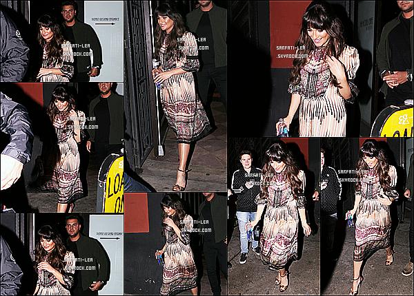 * 23/01/17 : Lea Michele a été aperçue alors qu'elle quittait son show privé dans un hôtel et café à Los Angeles. Lea est très jolie et souriante. J'aime bien sa robe, ça change de ce qu'elle a l'habitude de porter. Les motifs sont sympas. Je lui donne donc un Top.  *