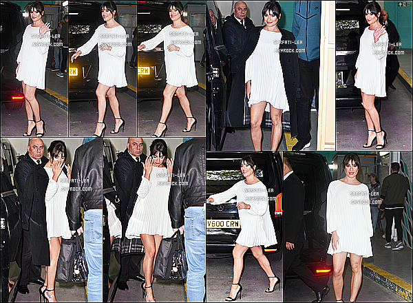 * 24/04/17 : Lea Michele était invité, sur les plateaux de l'émission télé du matin « This Morning » - à Londres. Plus tard, Lea a été vue quittant les studios d'ITV toujours à Londres. Lea est toute belle. J'aime bien sa coiffure. sa robe est jolie. Un Top pour moi.  *