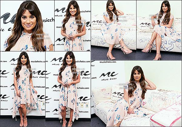 * 27/04/17 : Lea Michele était présente lors de l'événement - « Music Choice » - qui se déroulait dans New York. Plus tard, Lea a été vue quittant un restaurant après y avoir dîné toujours dans New York. Lea est tout simplement ravissante. Tops pour ses tenues  *