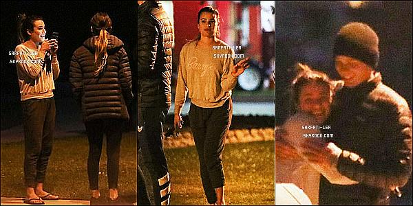 * 05/06/17 : Lea Michele a été photographiée - alors qu'elle était avec des amis - dans les rues de Los Angeles. Dommage qu'il n'y ait pas beaucoup de photos et qu'elles ne soient pas de bonne qualité. Lea est superbe. J'aime bien sa tenue. C'est donc un Top.  *