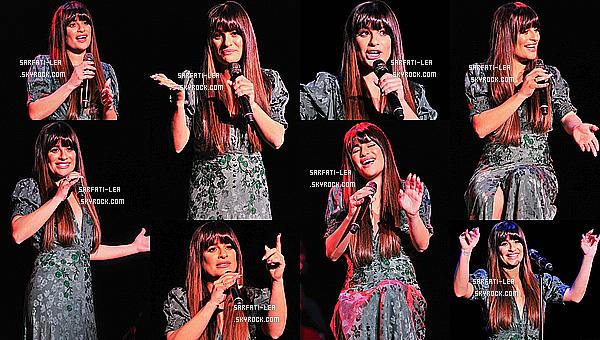 * 10/05/17 : Lea Michele a donné un concert dans la salle « Palace of Fine Arts » - se trouvant à San Francisco. Lea est ravissante. Comme à son habitude elle a posé avec des fans lors d'un Meet & Greet. J'aime beaucoup la robe qu'elle porte. Un Top pour moi  *