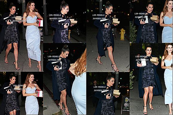 * 07/12/17 :    Lea a été vue se rendant dans un restaurant pour dîner avec son amie Joanna Garcia dans Los Angeles. Lea était très belle. Le chignon lui va bien je trouve. La robe noire qu'elle porte est très jolie. J'aime bien son manteau aussi. C'est donc un Top pour moi.  *