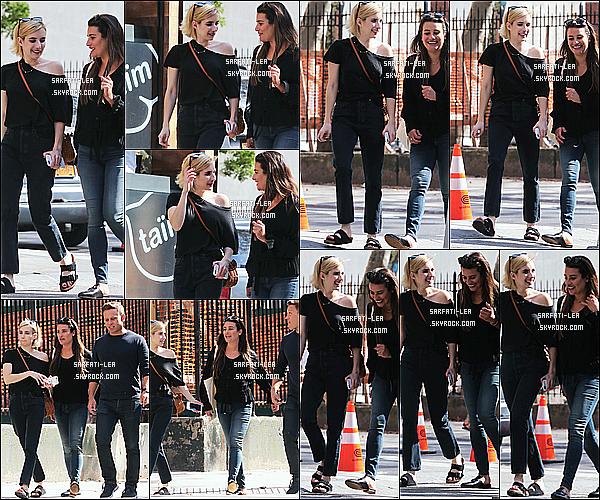 * 07/09/17 : Lea M. a été vue se promenant avec son copain Zandy Reich et Emma Robert dans les rues de Soho. Lea est toute belle et souriante. Ca faisait longtemps qu'on ne l'avait pas vu avec Emma Robert. J'aime beaucoup la tenue qu'elle porte. Donc Top.  *