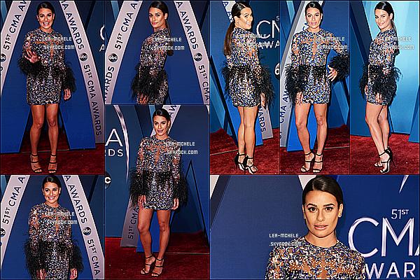 * 08/11/17 :    Lea Michele a assisté à la cérémonie des « 51º Annual CMA Awards » au Bridgestone Arena à Nashville Ca fait plaisir de voir un événement de Lea. Elle est sublime. J'aime beaucoup la tenue qu'elle porte. Sa mise en beauté est très jolie aussi. C'est un Top.  *