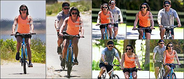 * 09/07/17 :    Lea M. et son copain Zandy ont été aperçus lorsqu'ils faisaient du vélo - dans les Hamptons -à New York. Lea est très jolie. Lea et Zandy faisaient une promenade en vélo en amoureux. La tenue qu'elle porte est vraiment superbe, ses lunettes aussi. Donc Top.  *