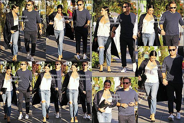 * 20/09/18 :    Lea M. a été repérée alors qu'elle se promenait dans les rues de Santa Monica - avec son copain Zandy. Ca fait plaisir d'avoir un candid de Lea. Elle était tout belle et mignonne avec son petit ami Zandy Reich. J'aime beaucoup la tenue qu'elle porte - Un Top.  *