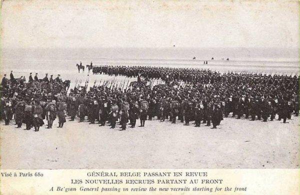 Parade pour un général sur la plage de La Panne