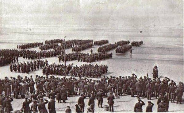 Parades des Grenadiers sur la plage de La Panne circa 1915